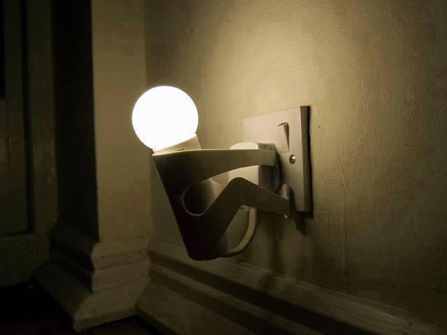 Having fun with light bulbs
