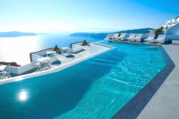 The beautiful Katikies Hotel in Oia, Santorini