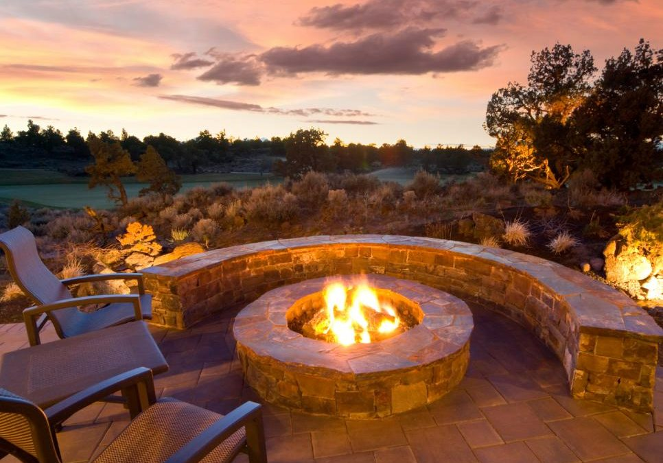 How to Make a DIY Fire Pit For Your Garden