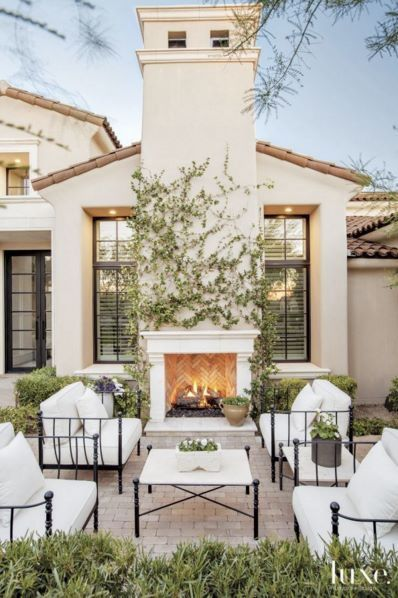 Gorgeous outdoor space: