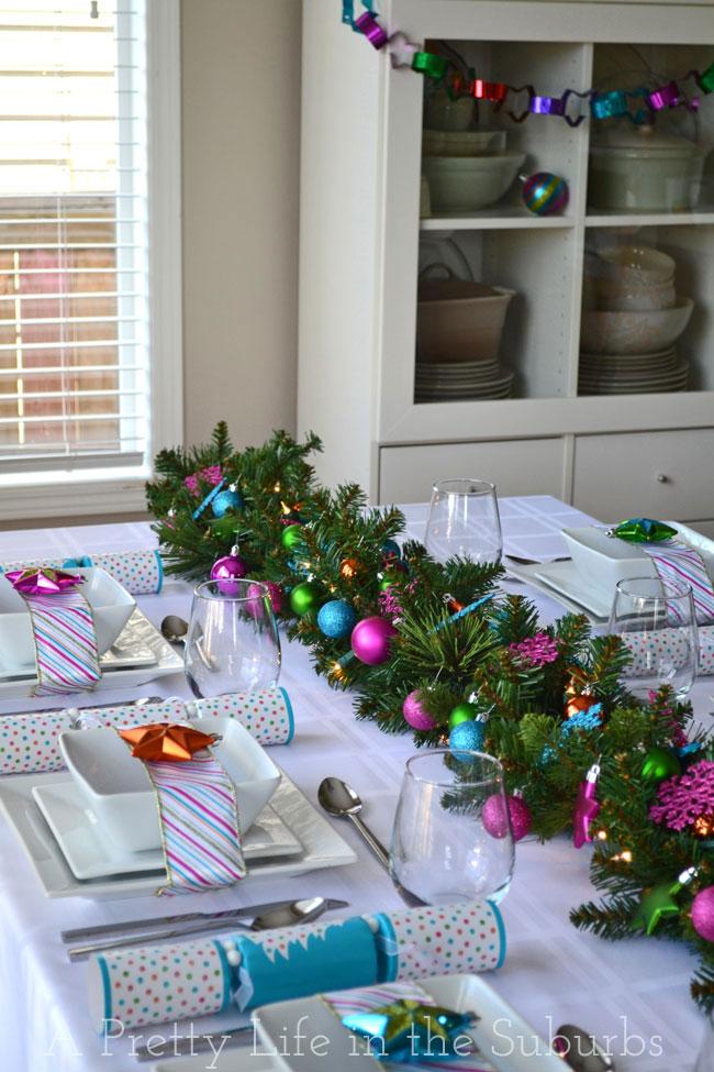 Colourful-Christmas-Table-Setting-2A-Pretty-Life