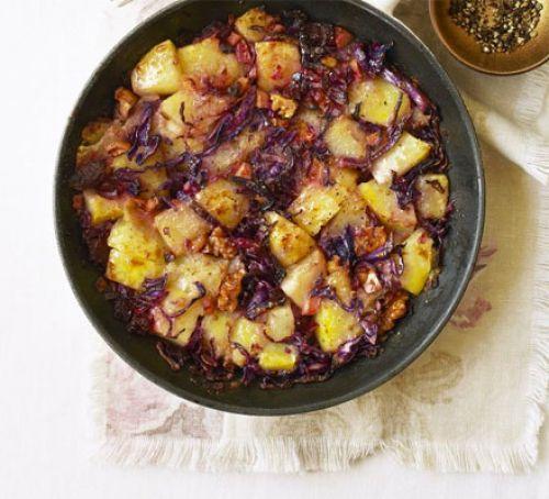 Red cabbage & potato hash