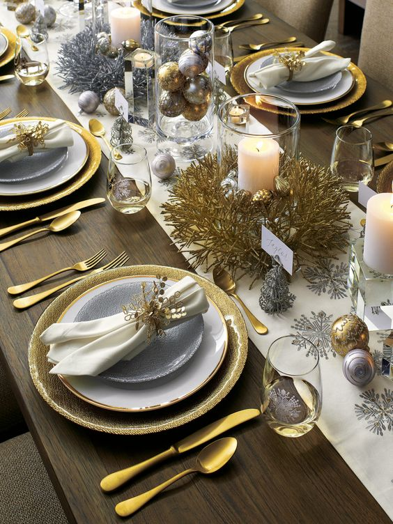 Your table is like a blank canvas that can be filled with personality through the combination of plates, flatware, glasses, and decorations you use to set the scene. With our table setting inspiration, you can find ideas to design the perfect table year-round, whether you're hosting a Spring brunch, backyard barbecue or a Christmas dinner.: