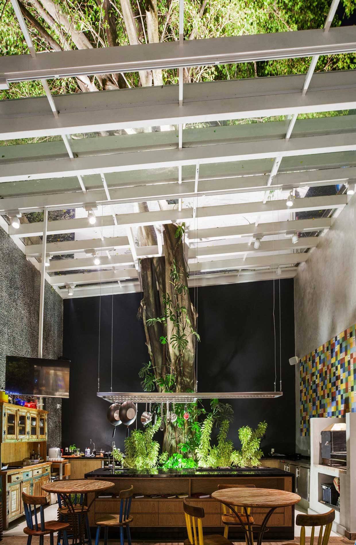 Feed Meat Market by FGMF Arquitetos + Projeto de Perto | Yellowtrace