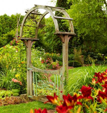10 Υπέροχες Καγκελόπορτες Κήπου