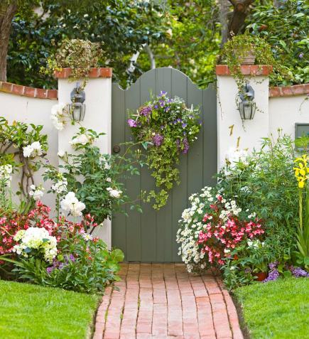 http://images.midwestliving.mdpcdn.com/sites/midwestliving.com/files/styles/slide/public/101613415.jpg?itok=BIxD1Ses