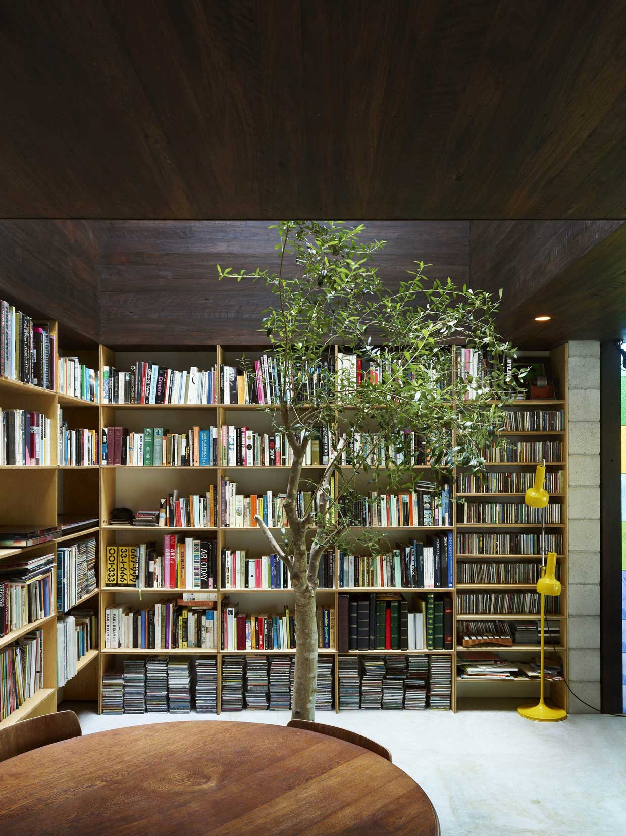 Raven Street House by James Russell Architect | Yellowtrace