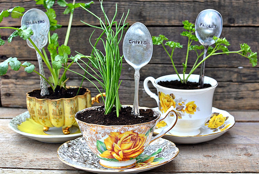 10 Ideas for Re-Purposing Old Silverware For Your Garden This Spring.