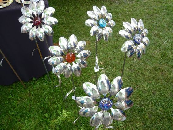 Flowers Made with Metal Spoons | Flowers From Metal Spoons | Spoon flowers | yard art: