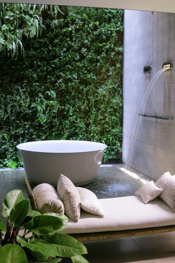 Awesome Outdoor Bathrooms-21-1 Kindesign