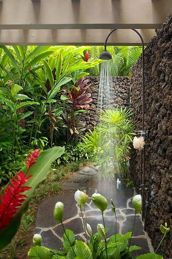 Awesome Outdoor Bathrooms-24-1 Kindesign