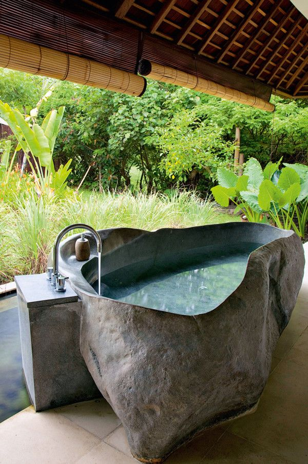 Awesome Outdoor Bathrooms-27-1 Kindesign