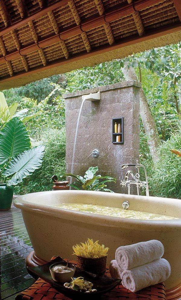 Awesome Outdoor Bathrooms-43-1 Kindesign