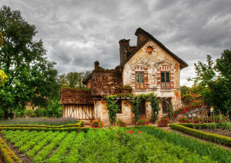 fairytale-cottages-queens-hamlet