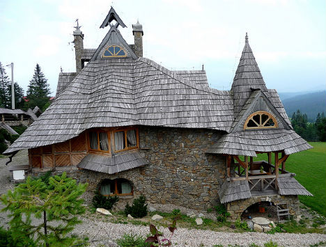 fairytale-cottages-wooden-poland