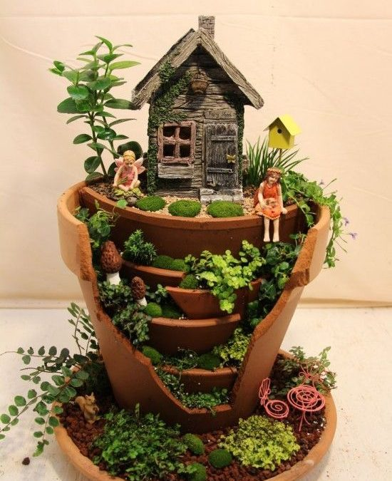 Imaginative DIY Projects That Transform Broken Pots into Beautiful Fairy Gardens
