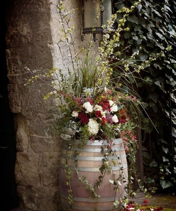12 Ideas Using Wine Barell For Your Garden