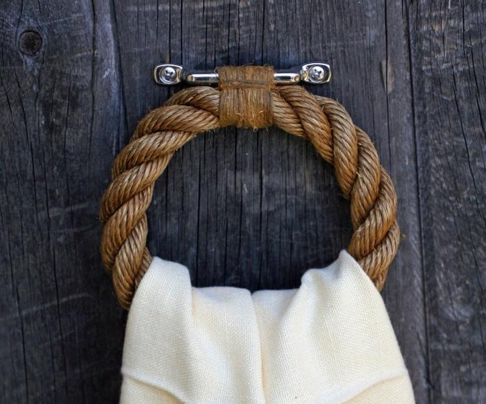 towel-ring 25 Creative Rope Decor Design Ideas