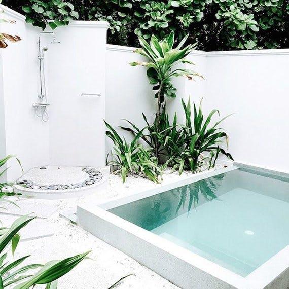 Πώς Να Προσαρμόσετε Μια Πισίνα Σε Μια Μικρή Αυλή