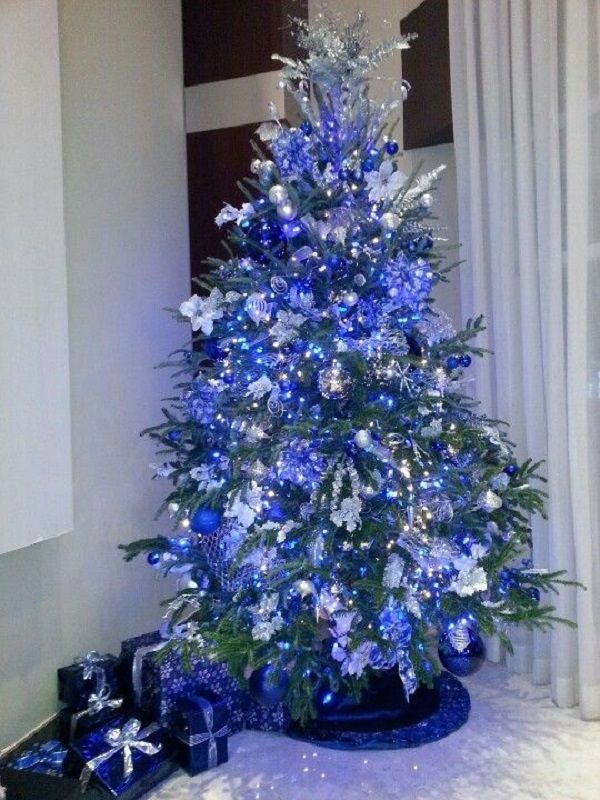 blue-Christmas-tree Top 10 Christmas Decoration Ideas & Trends 2018