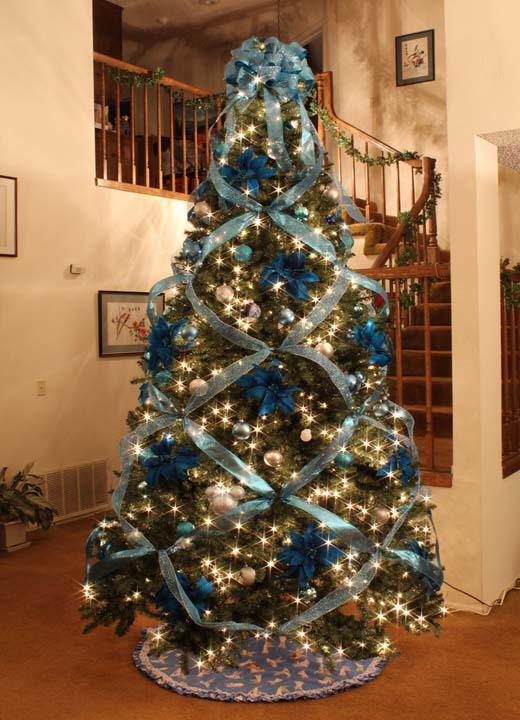 christmas-tree-ribbon-decor Top 10 Christmas Decoration Ideas & Trends 2018