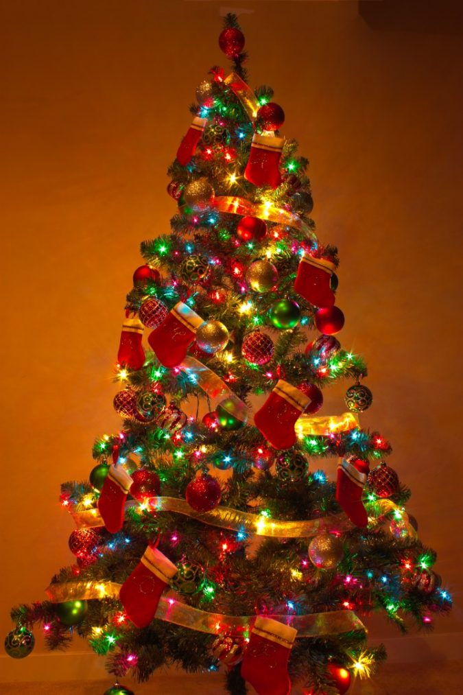 christmas-tree-with-multicolor-lights-2-675x1013 Top 10 Christmas Decoration Ideas & Trends 2018