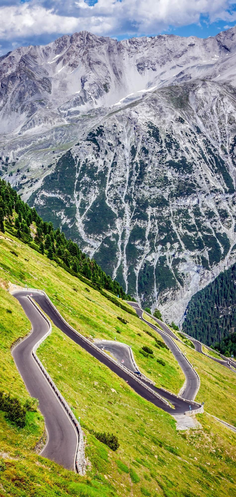 Cinematic Road Passo Dello Stelvio, Italia | 23 Roads you Have to Drive in Your Lifetime